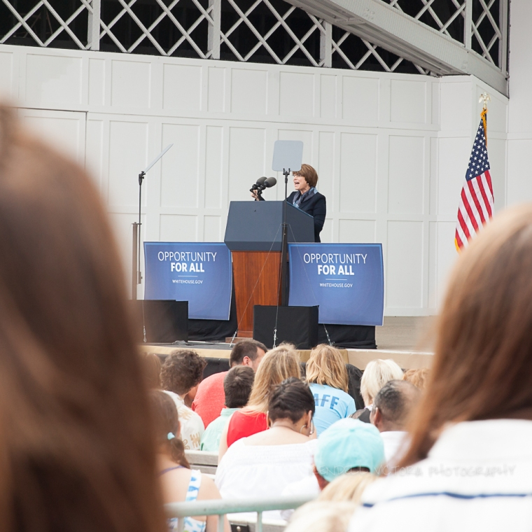 amy klobuchar at President Obama's talk at lake harriet bandshell